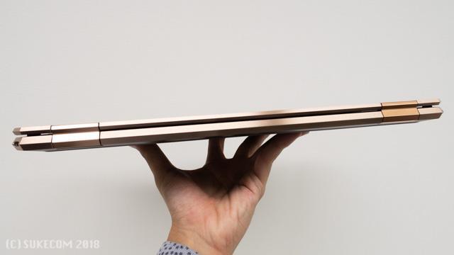HP Spectre x360 15の分厚さ