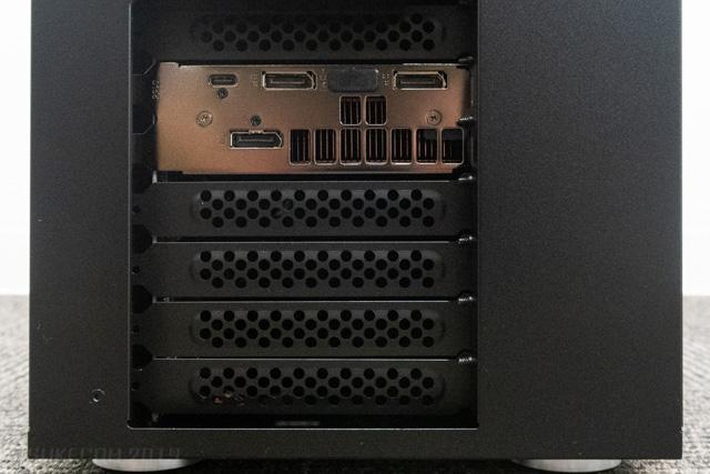 NEXTGEAR i690PA3-SPのグラフィックスポート