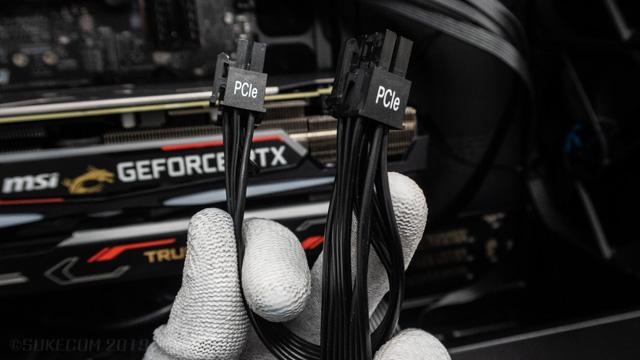 GPUへの電源接続