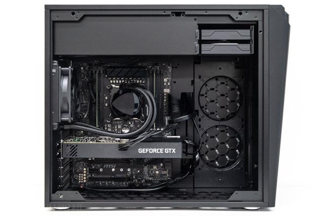 NEXTGEAR i880SA1のケース内部