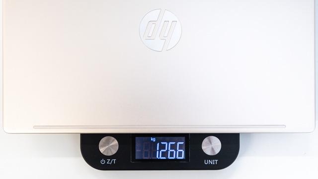 HP Pavilion 13-an0000の重量