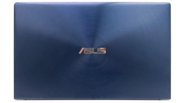 ZenBook 14の天板