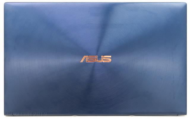 ZenBook 15の天板