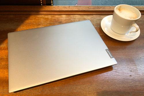カフェでの使用例